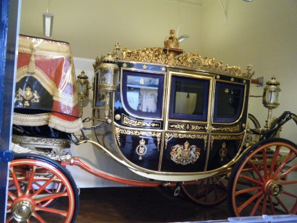 Queen1 430x323 - Queen's Carriages
