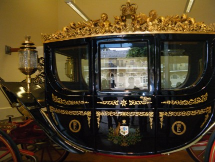 Queen3 430x323 - Queen horses
