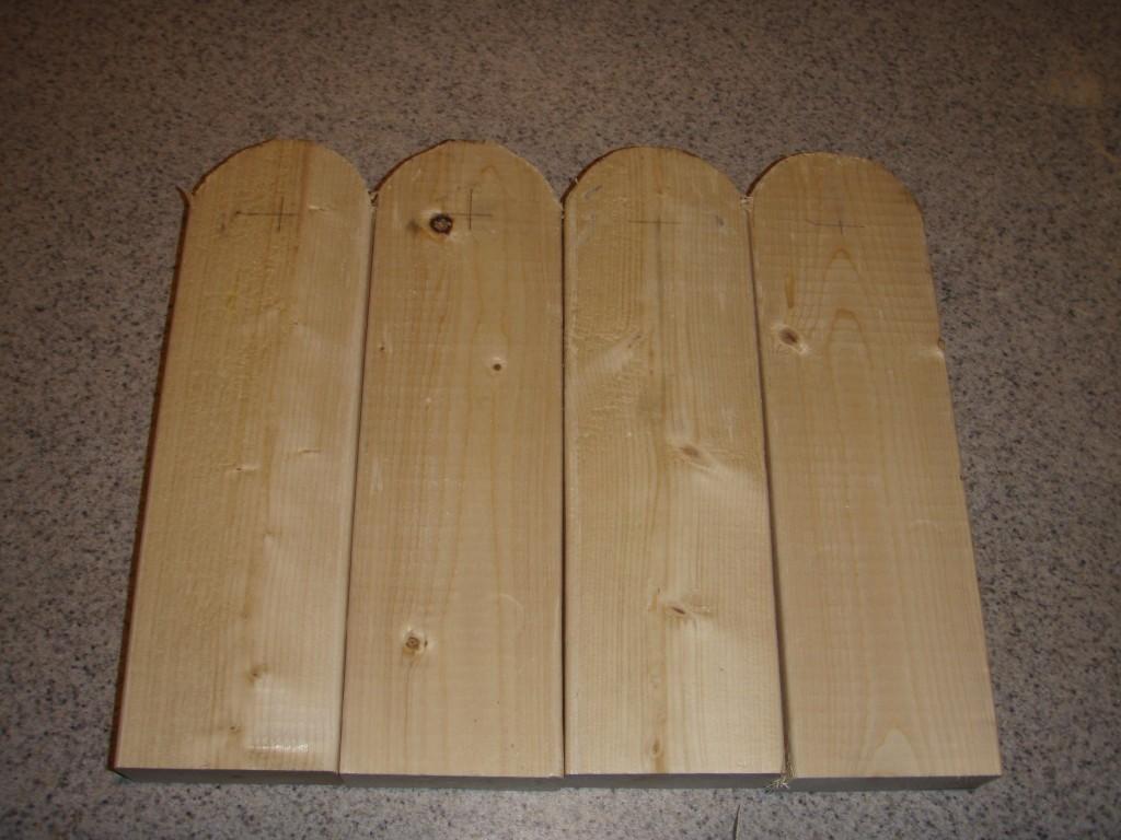 Corn hole legs 1024x768 - How to make your own Cornhole board