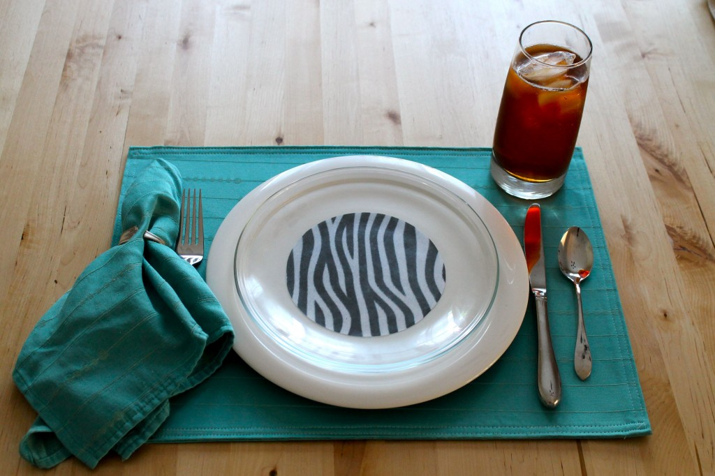 Plate blue 2 1024x682 - Change the Look of Your Dishes!