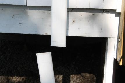 Rain Barrel gutter cut 430x286 - Gutter cut