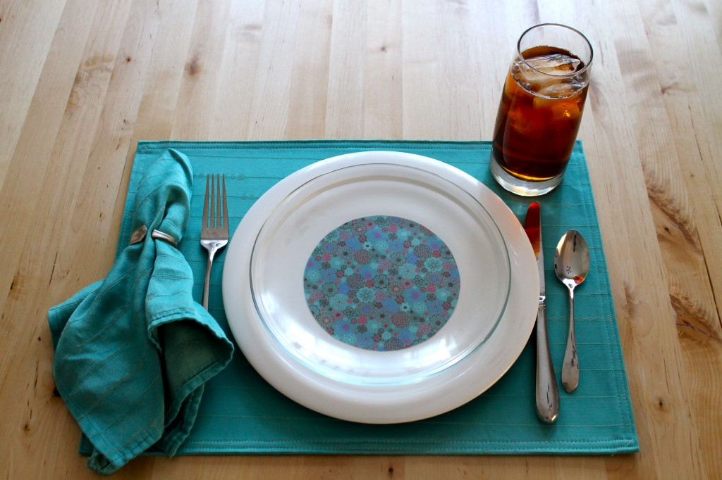 plate with turquoise 1024x682 - Change the Look of Your Dishes!