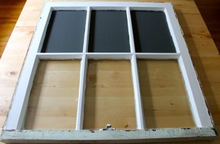 Window Pane 1st coat of chalk paint 430x282 - Window with chalk paint