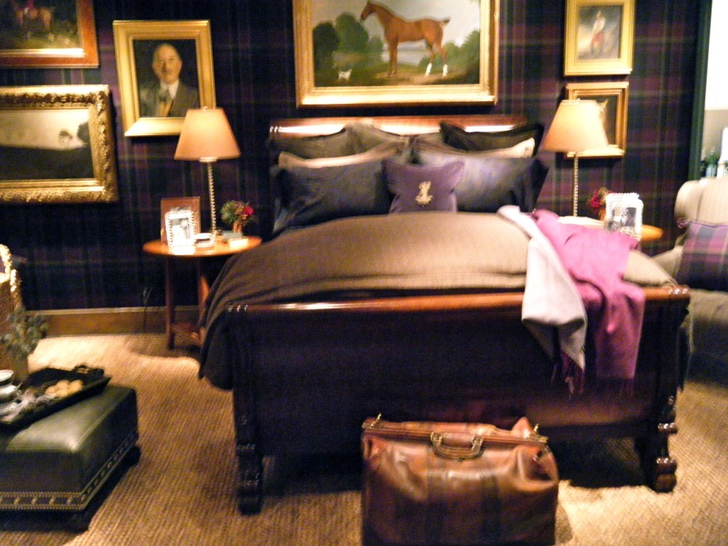 DSCF2478 1024x768 - See Ralph Lauren's Sitting Room and Bedroom