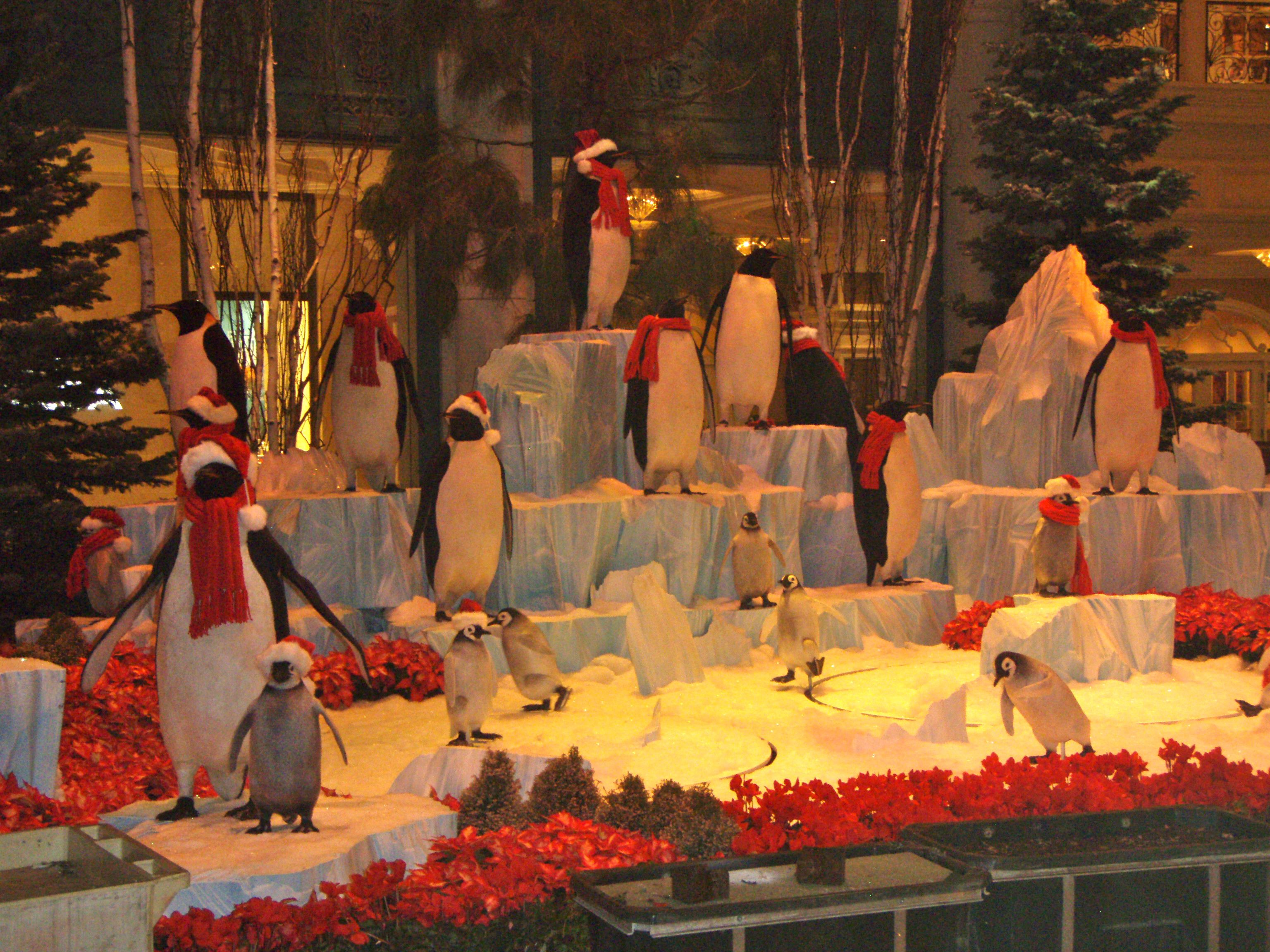 Hotel animals - Christmas at the Bellagio