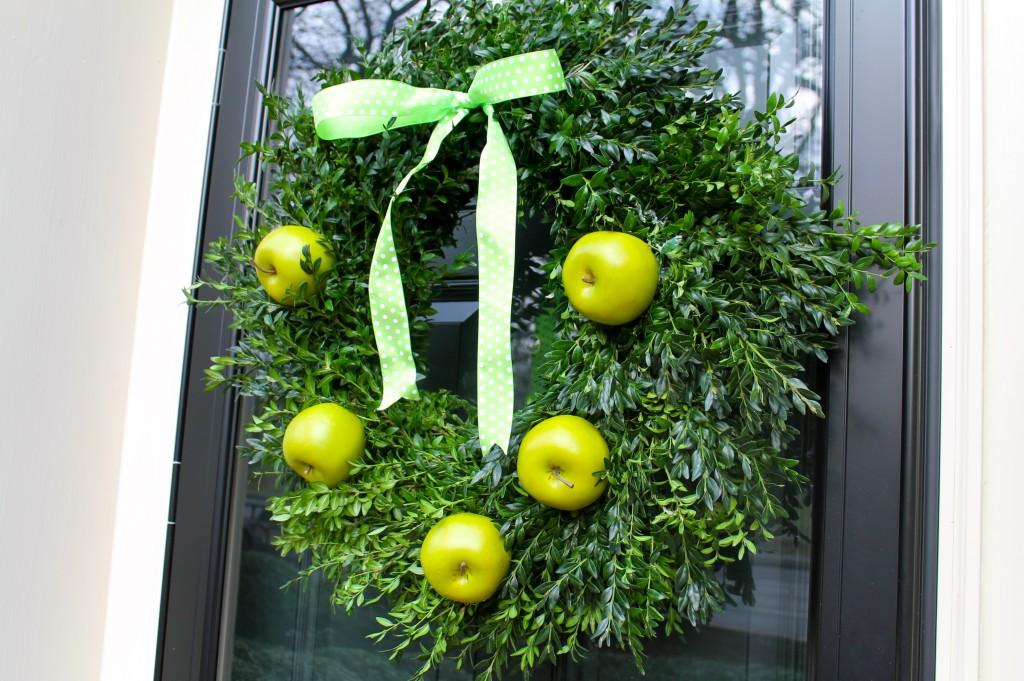IMG 15031 1024x681 - A Granny Smith Wreath