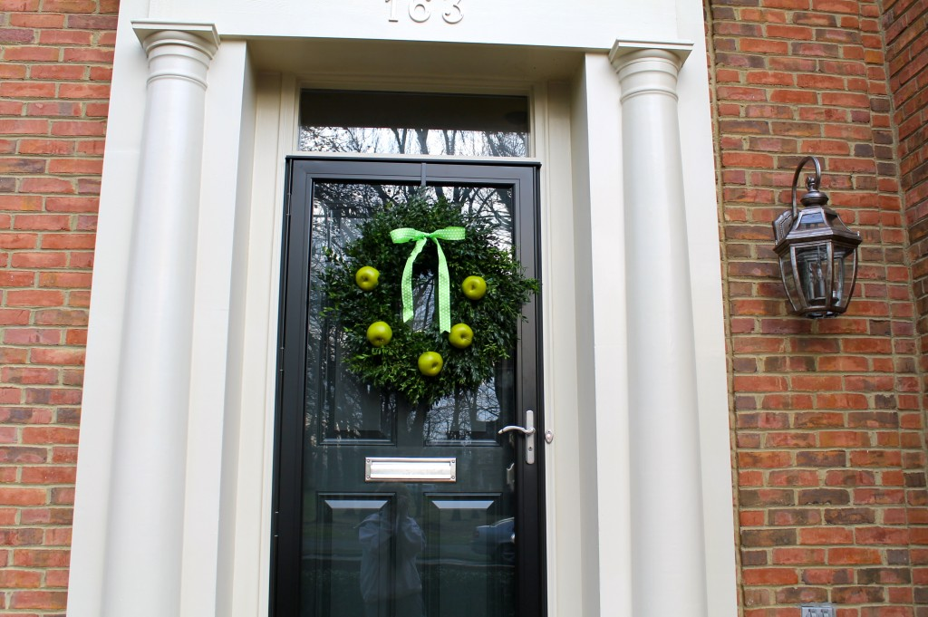 IMG 1504 1024x681 - A Granny Smith Wreath