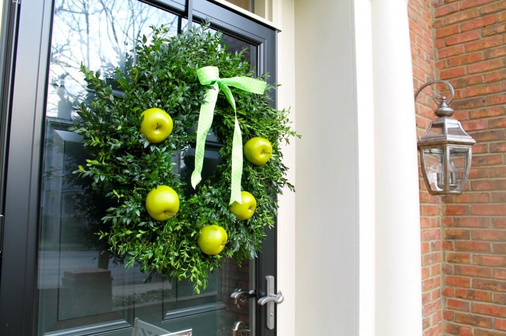 IMG 1506 1024x681 - A Granny Smith Wreath