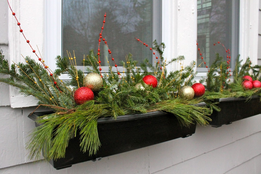 holiday window boxes - Window Box Christmas Decorations