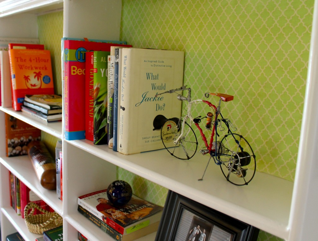 Bookshelf close better 1024x777 - Almost Free Makeover