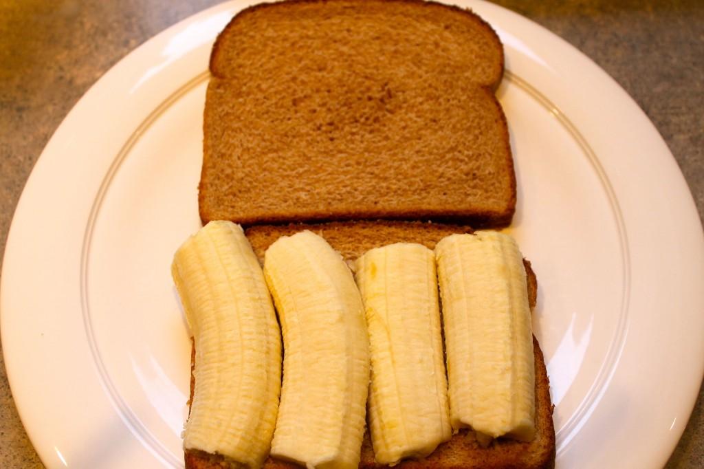 Food 2 1024x682 - Banana Breakfast Sandwich