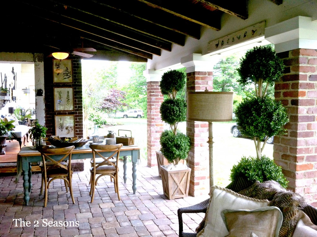 Showcase dining area314 1024x764 - The Porch Dining Area