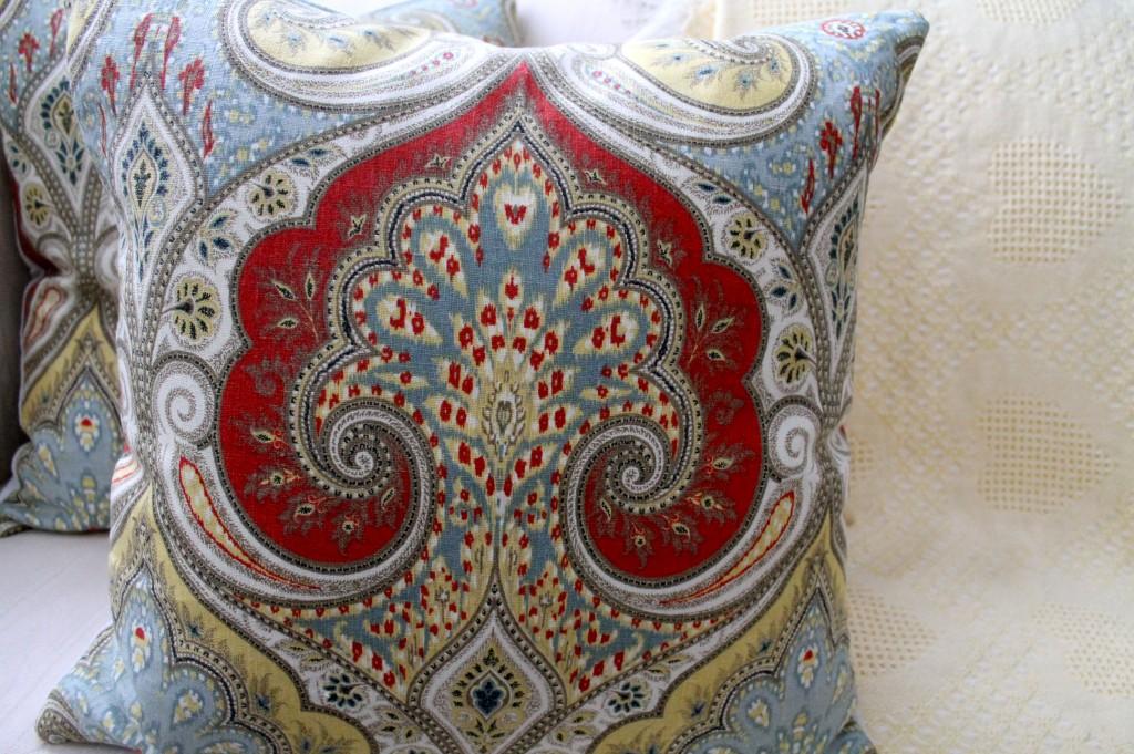 IMG 3753 1024x681 - DIY Pillow Hint