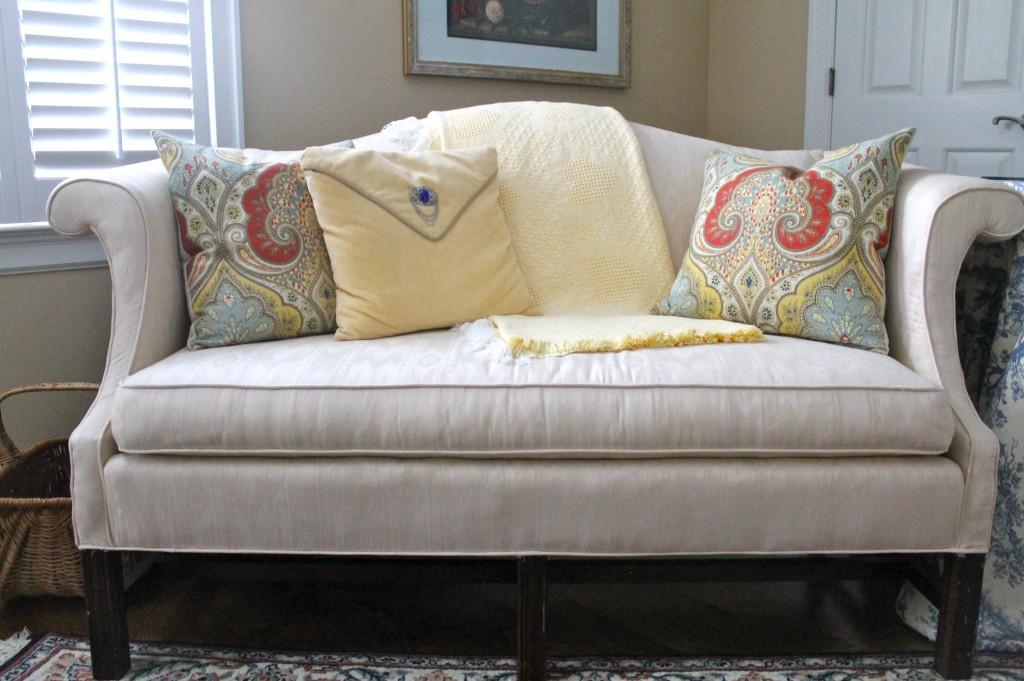 IMG 3762 1024x681 - DIY Pillow Hint