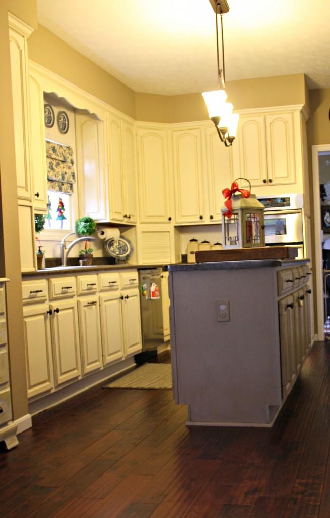PICAmanda after 2 652x1024 - Amanda's Amazing Kitchen Upgrade