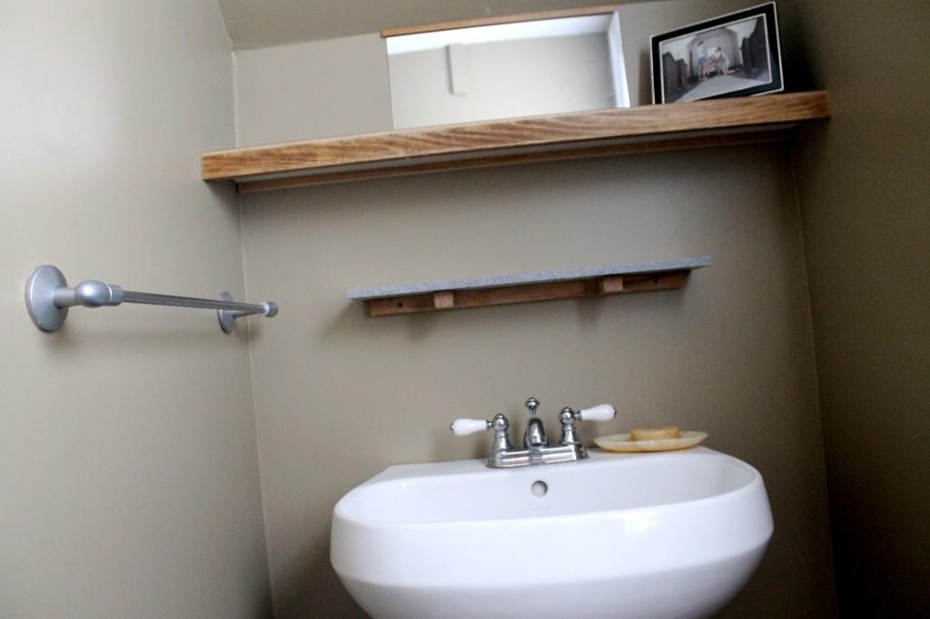 Bath before shelf 1024x682 - We Updated the Powder Room