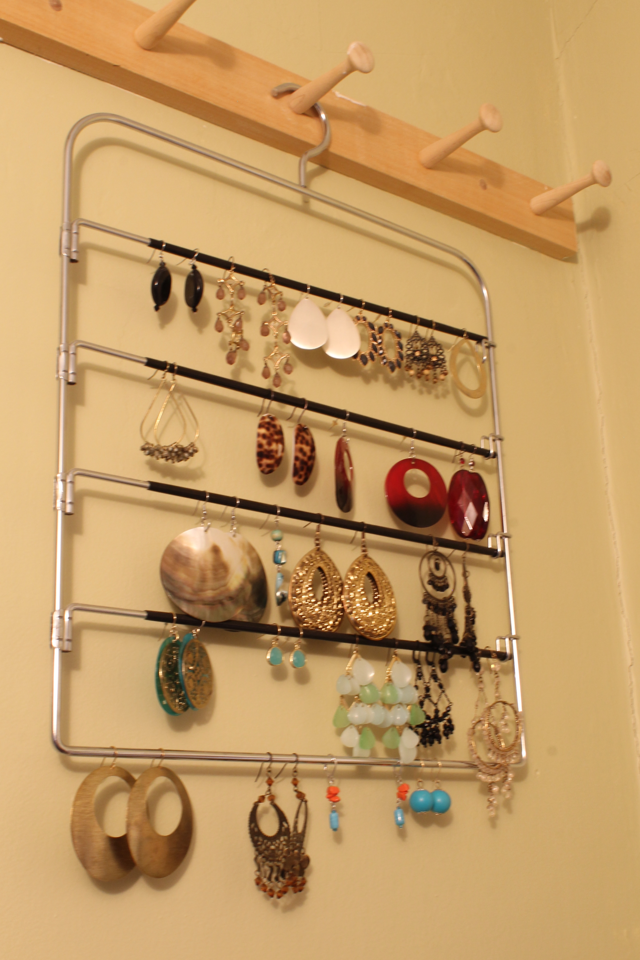 Ear after - An Easy Way to Store Your Earrings