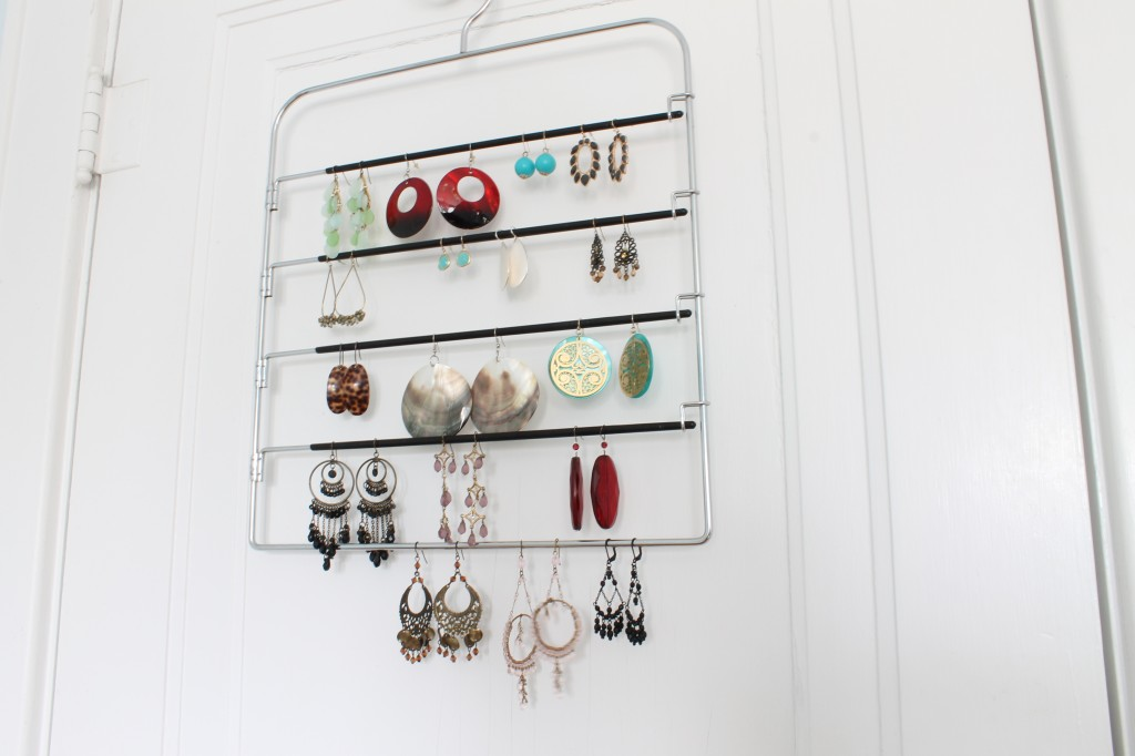 Hanger after best 1024x682 - An Easy Way to Store Your Earrings