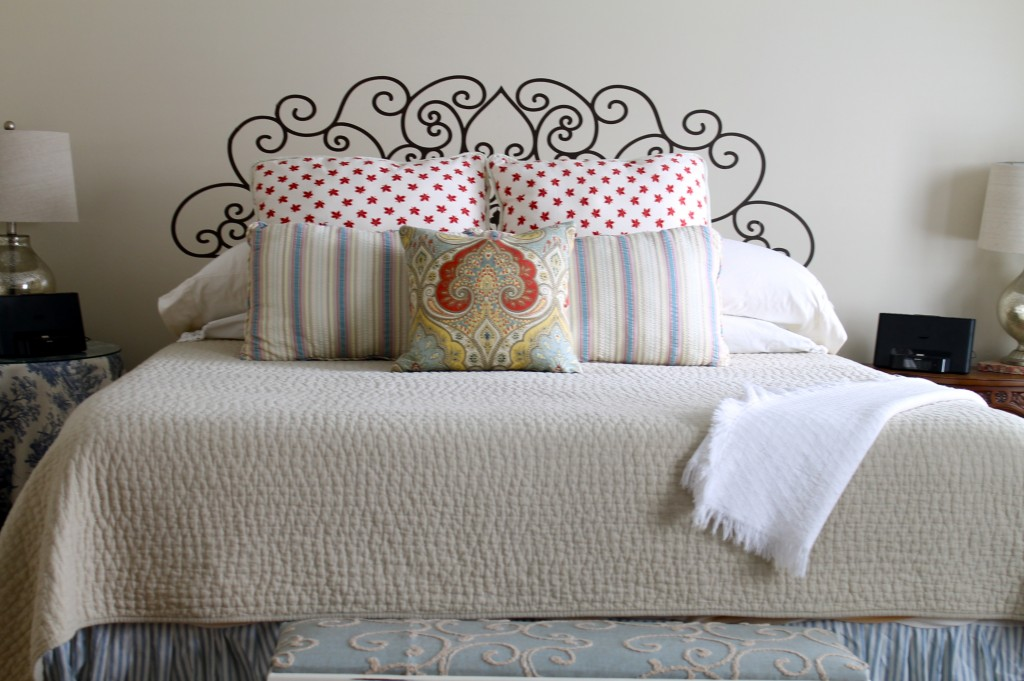 The 2 seasons the mother daughter lifestyle blog for Fake headboard