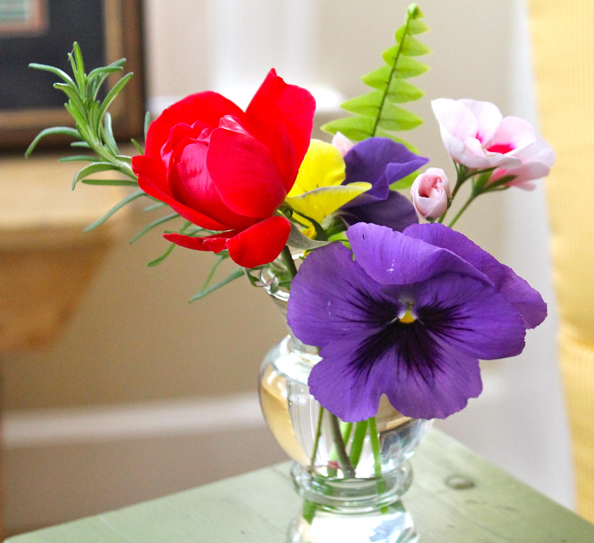 Fresh flowers - The 2 Seasons