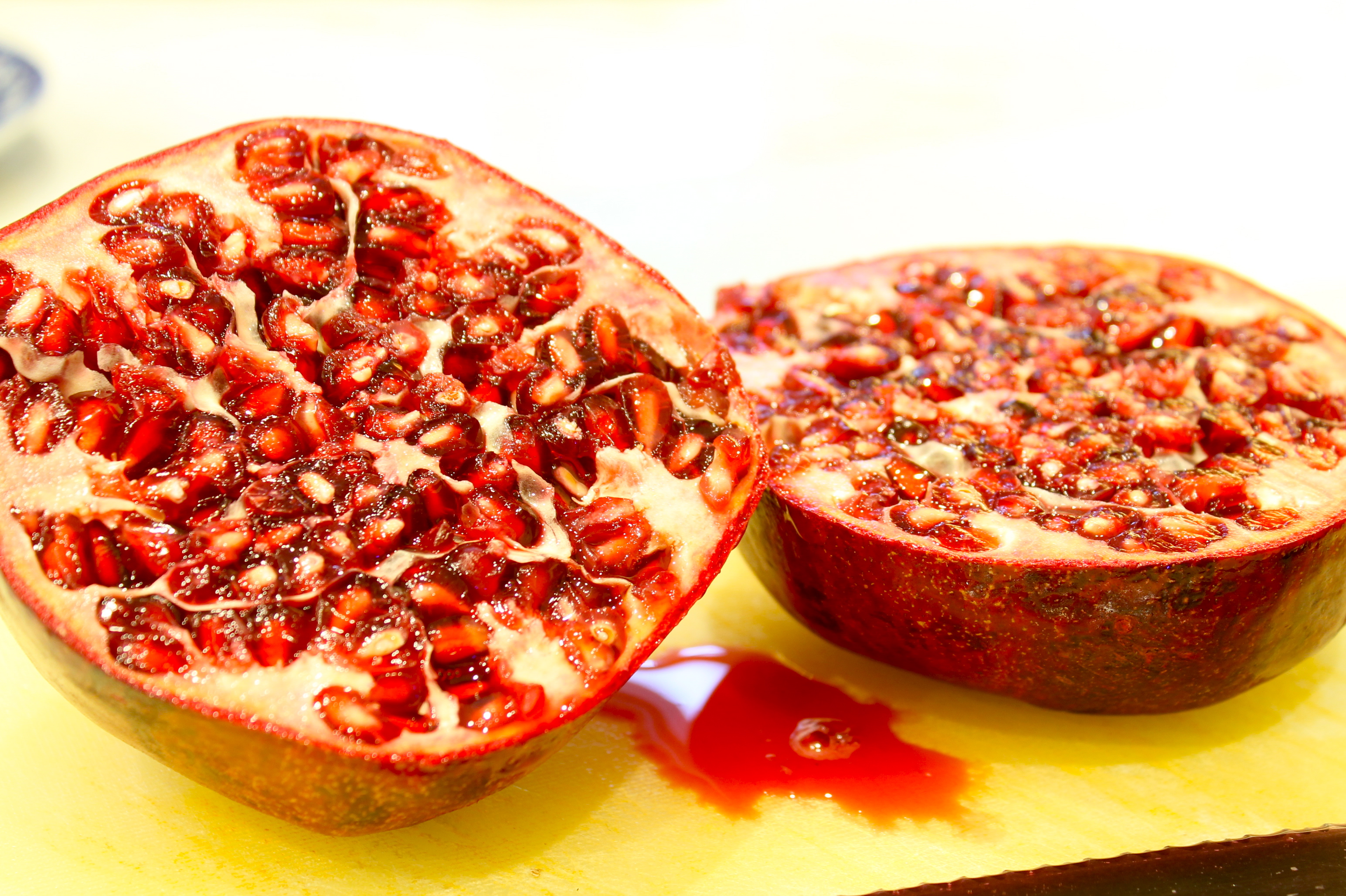 IMG 6889 - Removing Those Stubborn Pomegranate Seeds