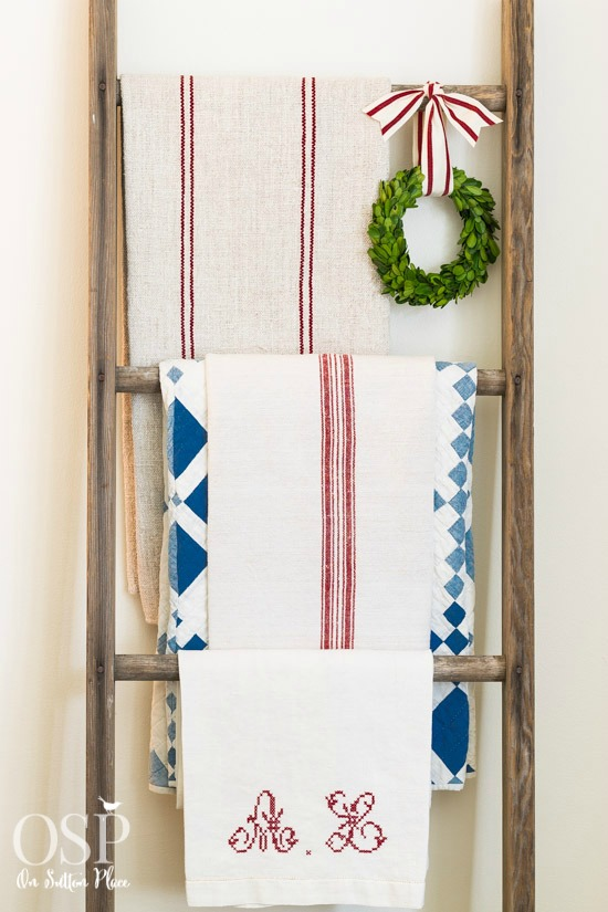 christmas-decor-grain-sacks-on-vintage-ladder