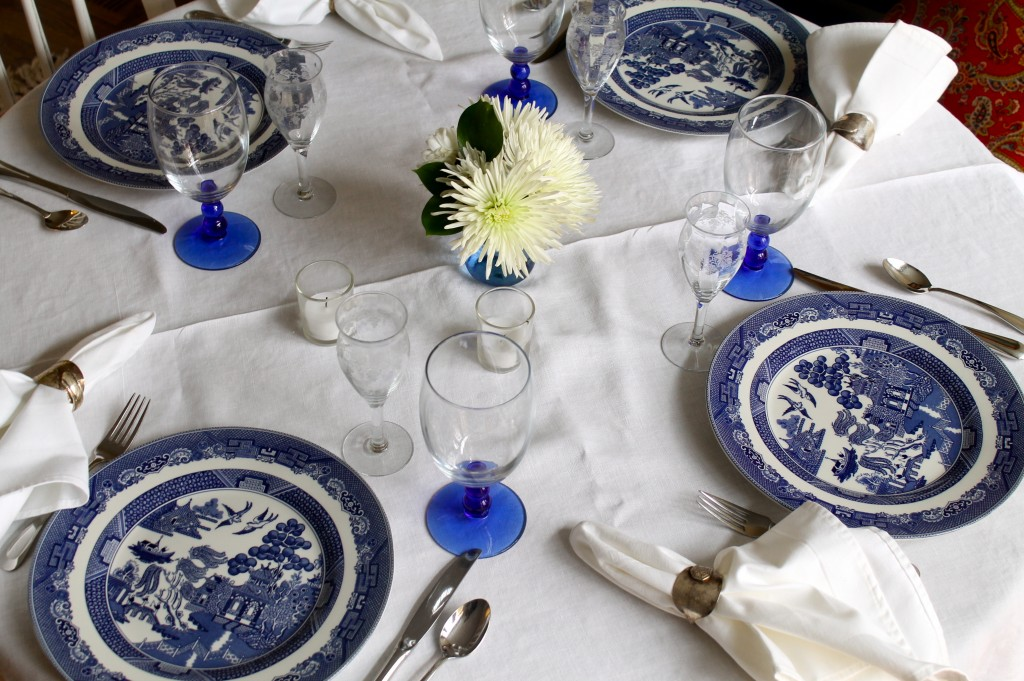 Blue willow dishes & The 2 Seasons- The Mother/Daughter Lifestyle Blog