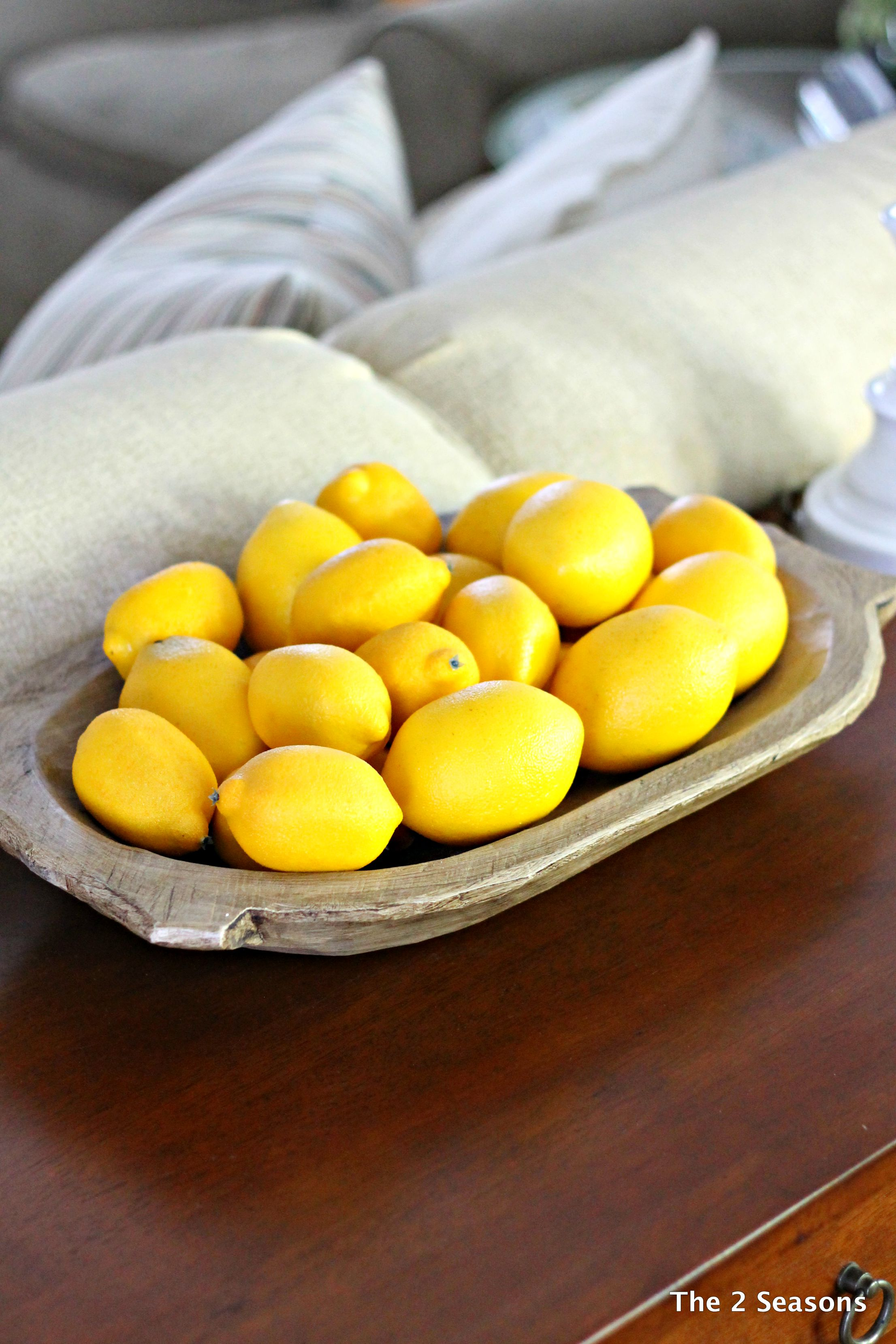 Living room Lemons - Antique Wooden Bowls Today