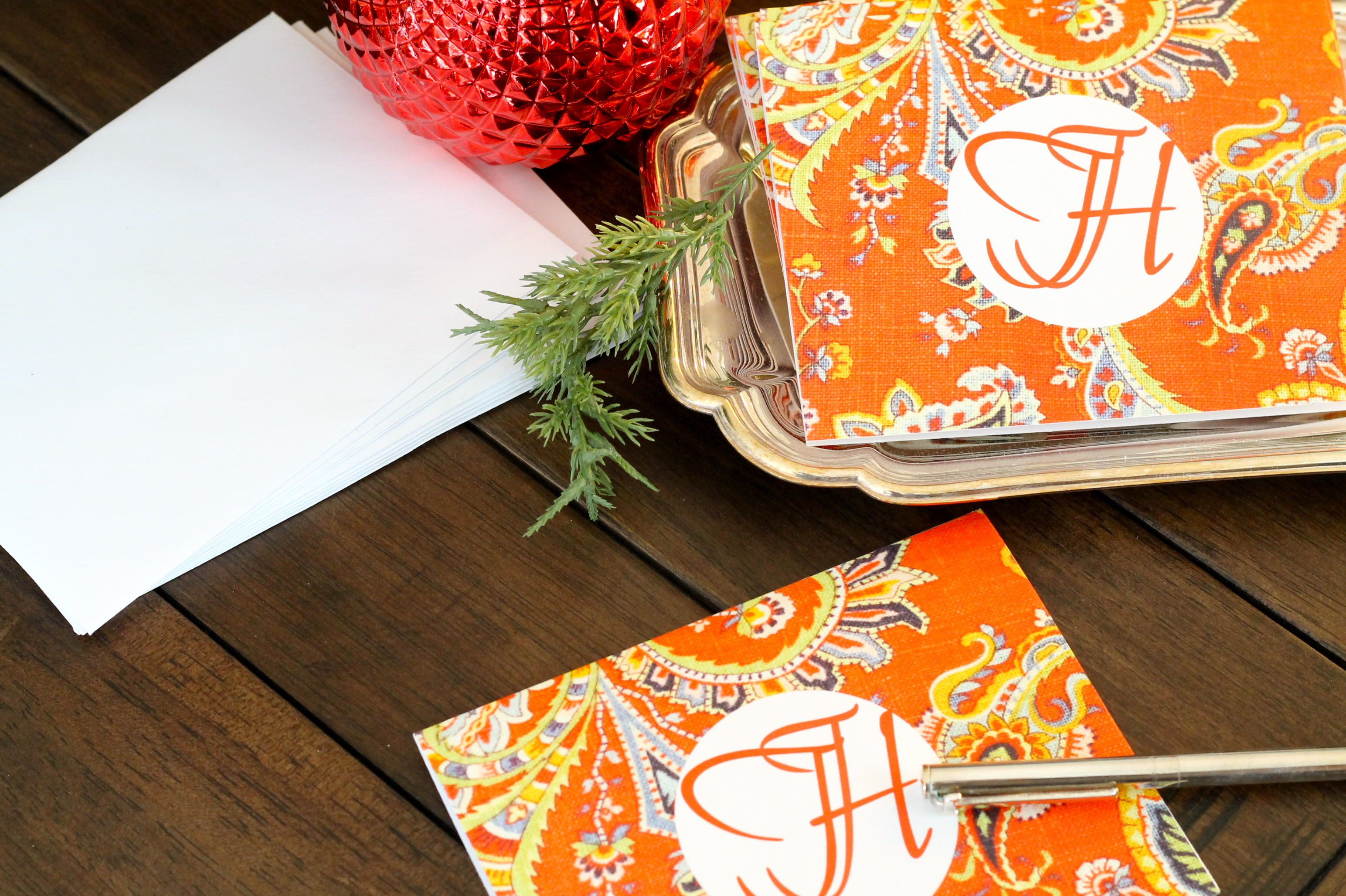 DIY Monogrammed Notecards - The 2 Seasons