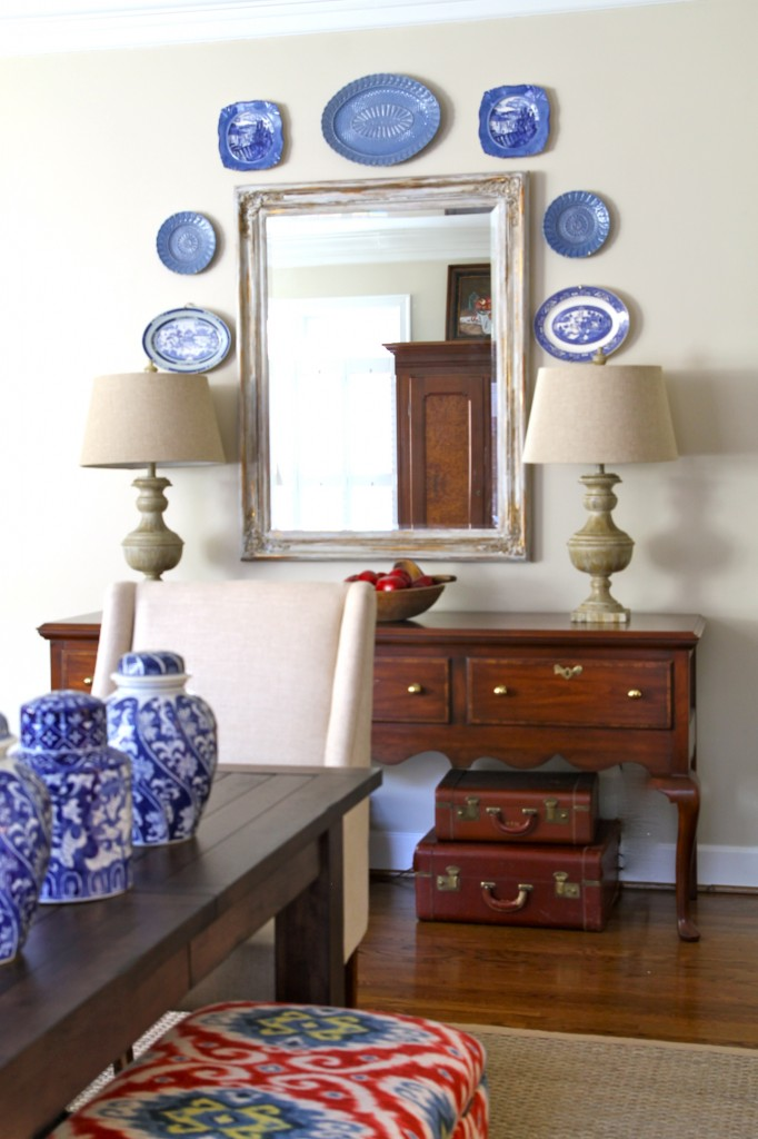 Blue plates brighten the great room wall - The 2 Seasons