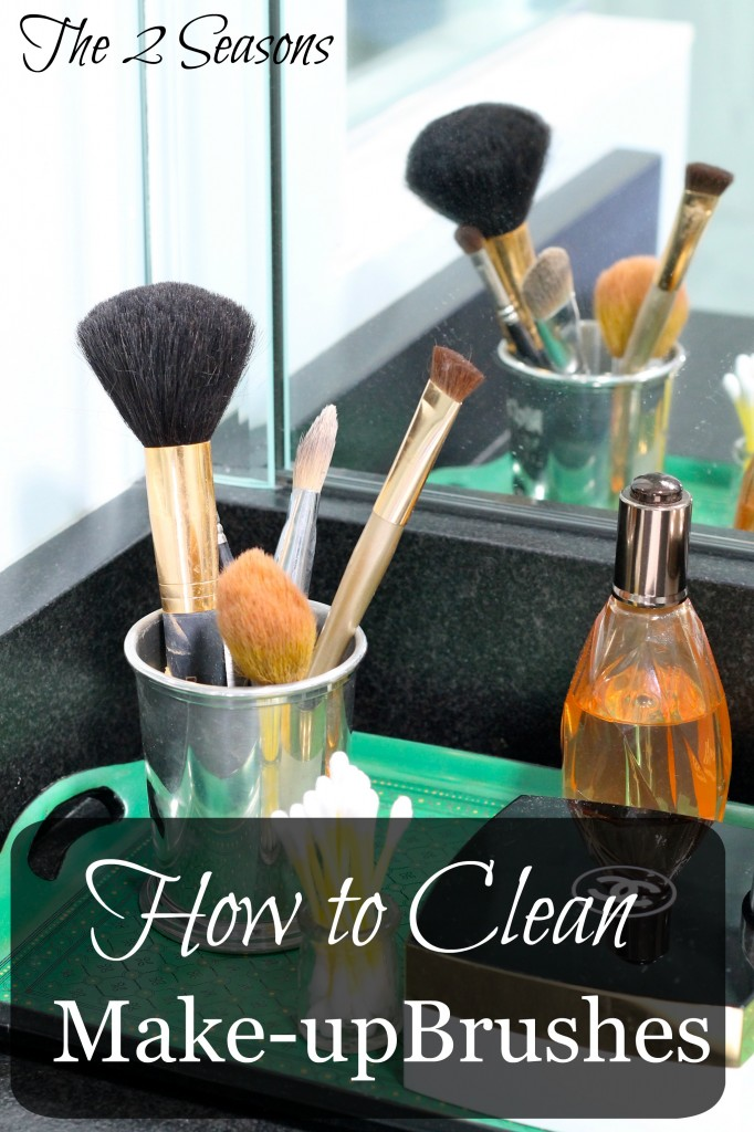 Fast way to clean make-up brushes from The 2 Seasons