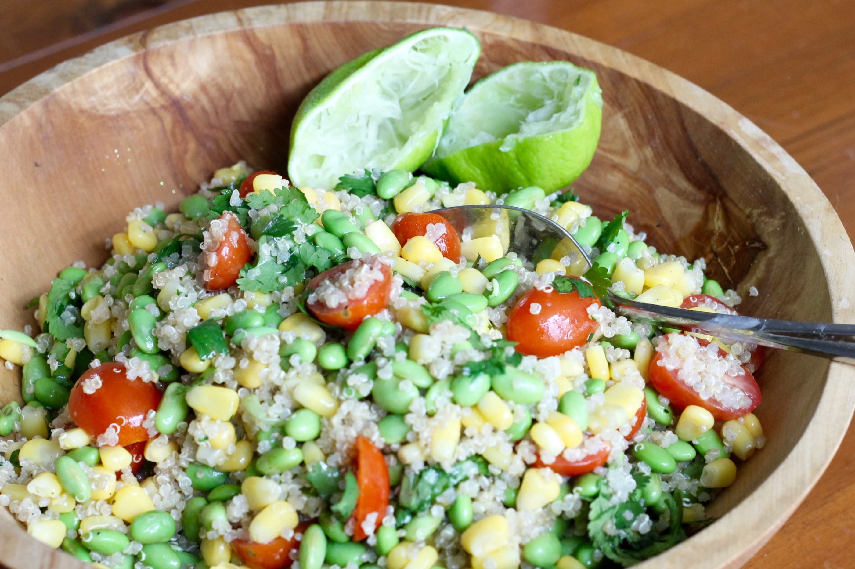 Edamame quinoa salad - The 2 Seasons