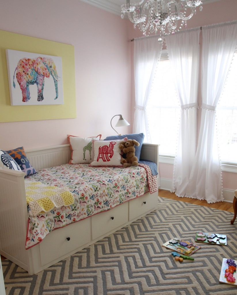 Toddler girl's room - The 2 Seasons
