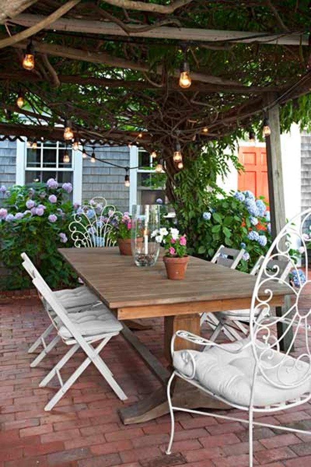 Outdoor table - Back Porch Decorating
