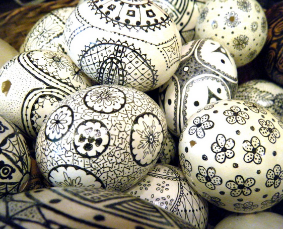 Learn how to create these unusual Easter eggs at The 2 Seasons
