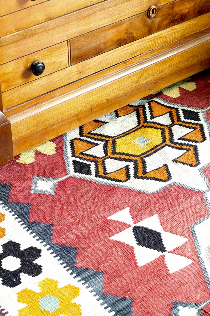 Foyer kilim rug - The 2 Seasons