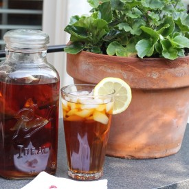 Brew up some sun tea - The 2 Seasons