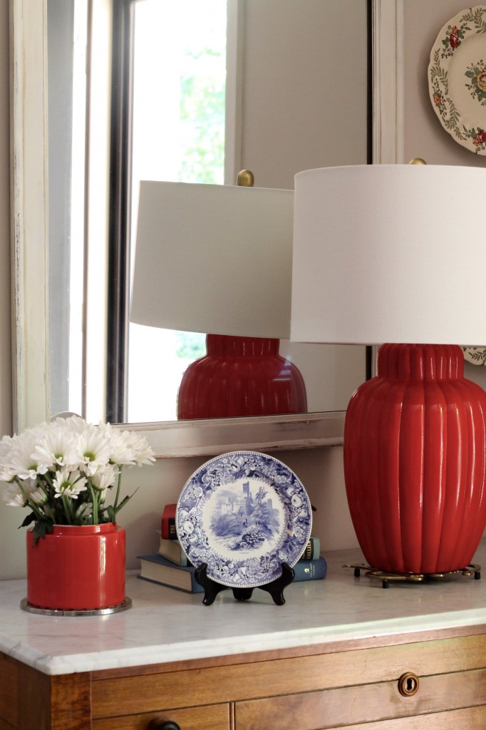 Red, white, and blue vignette in the foyer - The 2 Seasons
