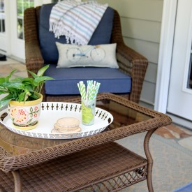 Back porch sitting area - The 2 Seasons