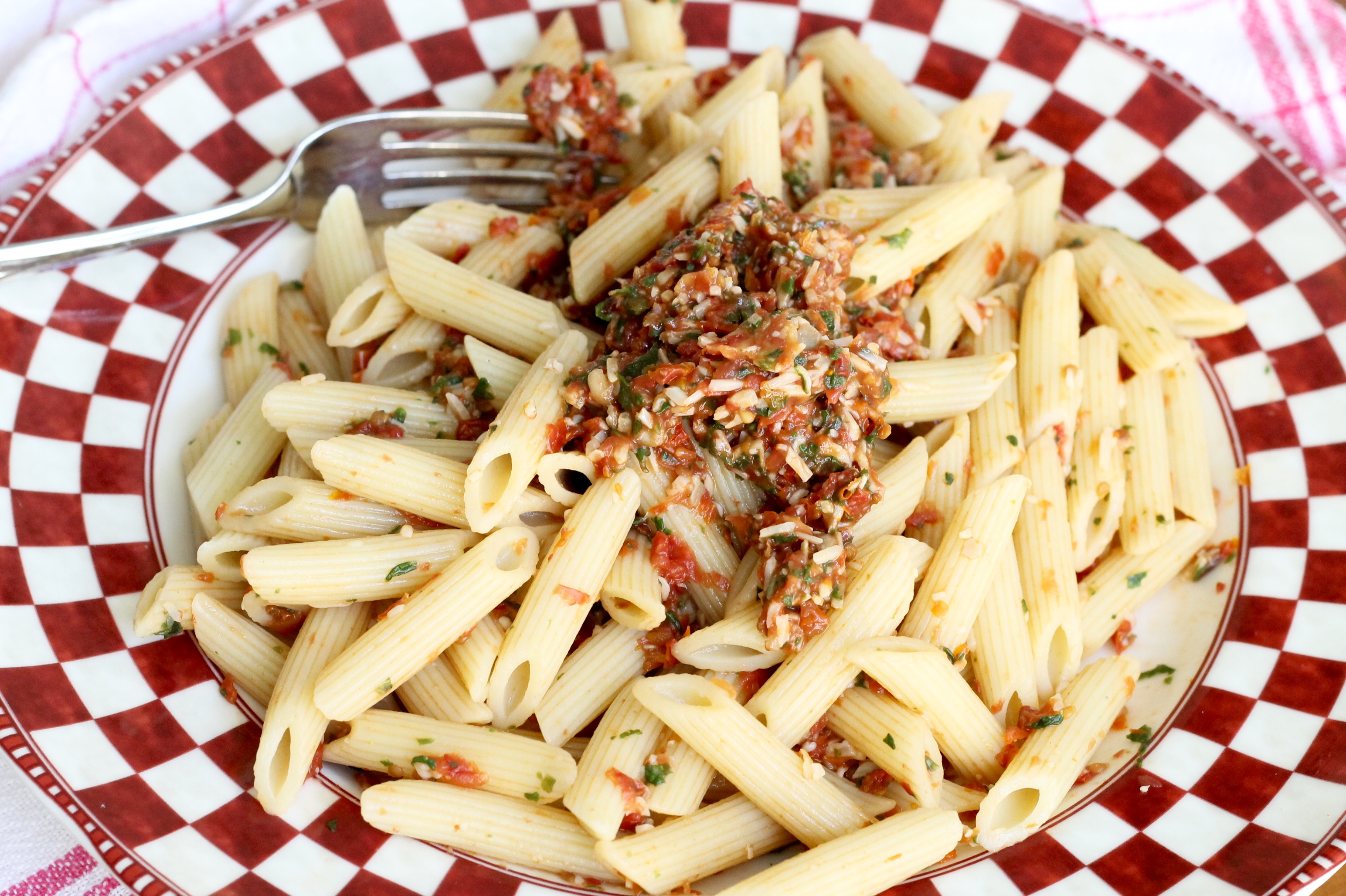 Pasta with Tomato Pesto - The 2 Seasons