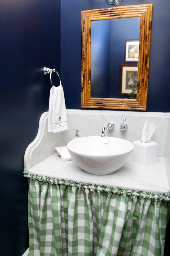 Powder room sink - The 2 Seasons