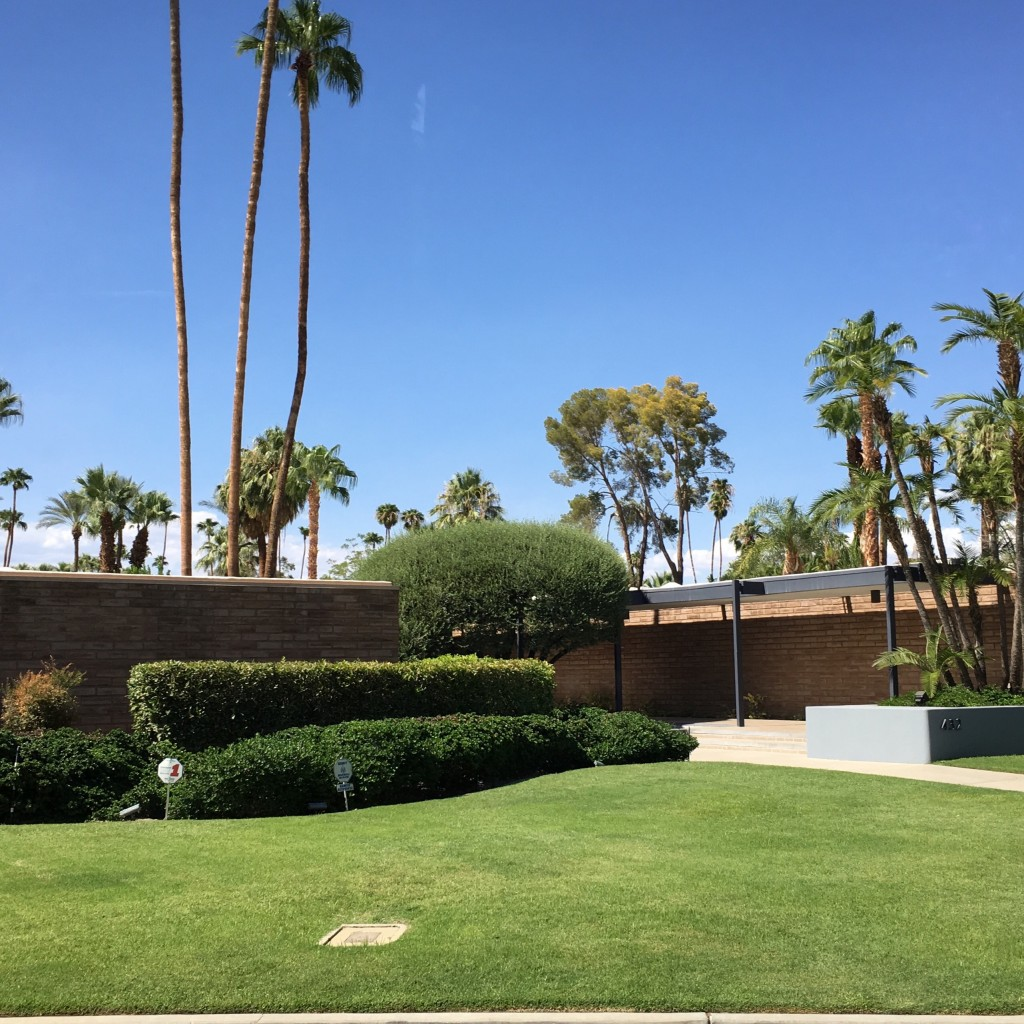 Leo Dicaprio's Palm Springs house - The 2 Seasons
