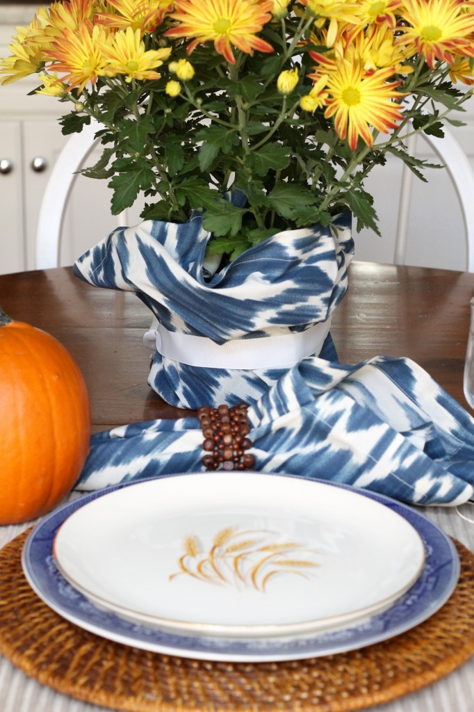 Fall tablescape - The 2 Seasons