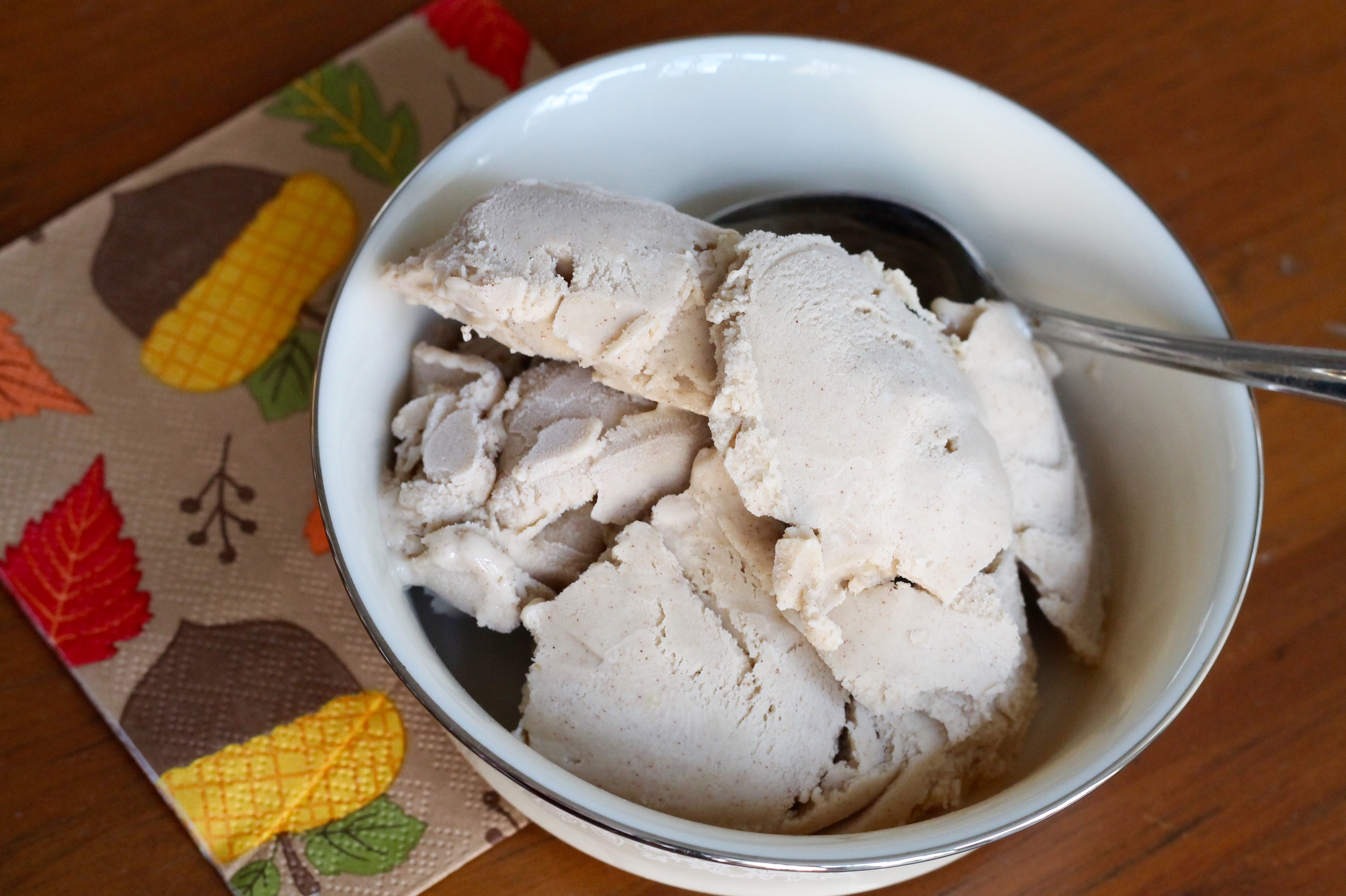 Cinnamon ice cream - The 2 Seasons