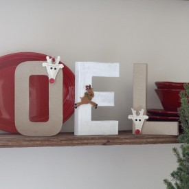 DIY Holiday Sign - The 2 Seasons