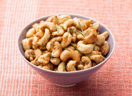 Rosemary cashews make a great gift. - The 2 Seasons