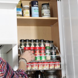 Spice rack storage - The 2 Seasons