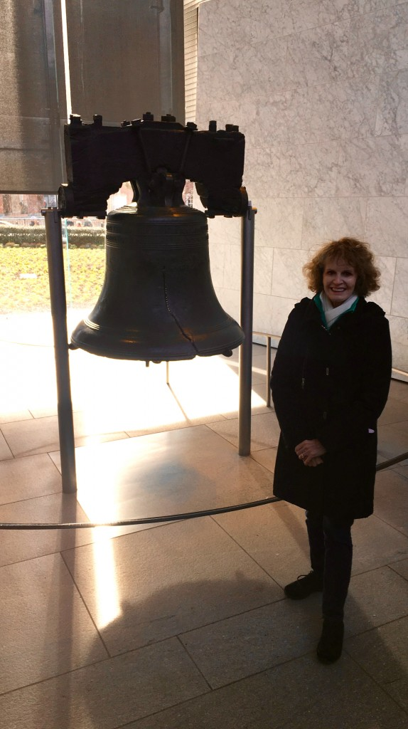 Liberty Bell - Constitution Hall - The 2 Seasons