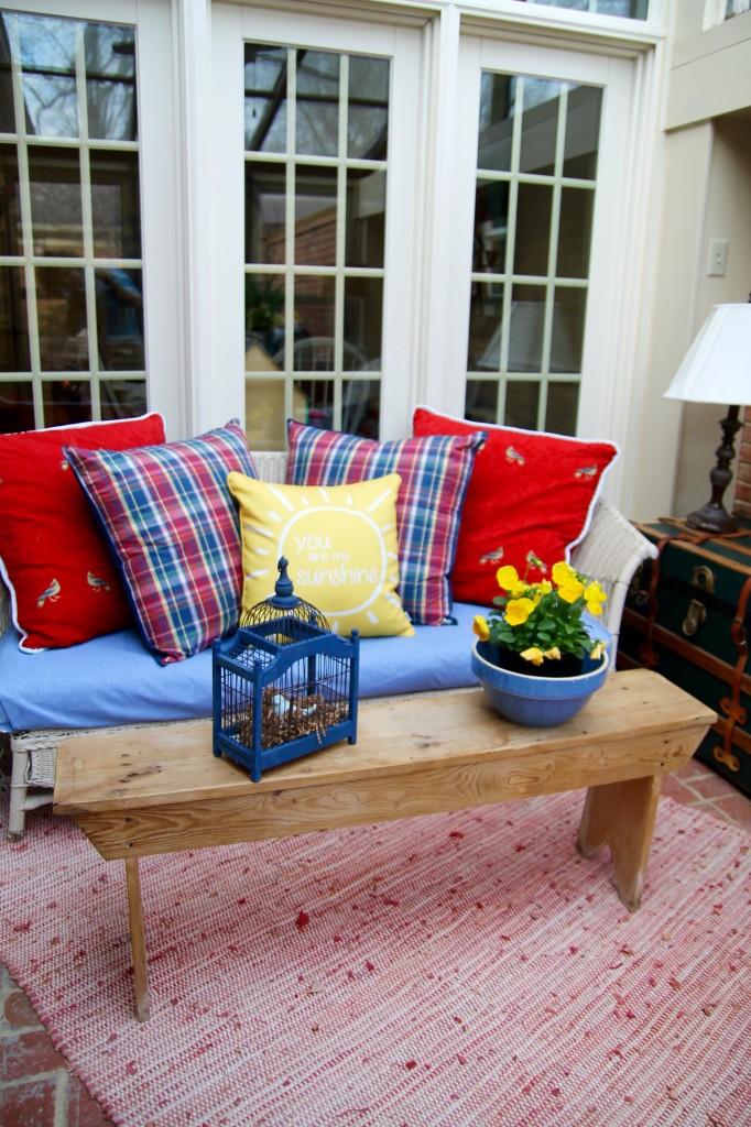 Sunroom sofa - The 2 Seasons