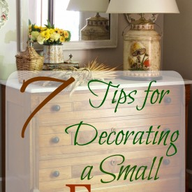 7 Tips for Decorating a Small Foyer - The 2 Seasons